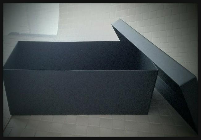 IKEAの箱を使ったギフトフラワーアレンジメント1