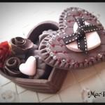 バレンタインデー、手作りチョコを渡す時は服の色(カラー)に気をつけて!(色彩心理)