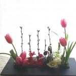 ひな祭りアレンジメント桃の花、花言葉は『あなたに夢中』